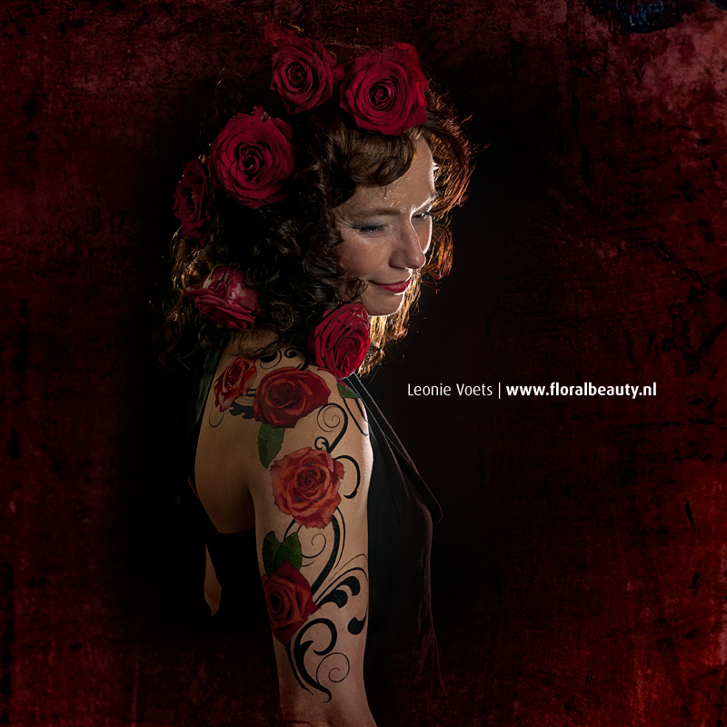 floralbeauty-fotoshoots-imagingpeople-leonie-voets-fotograaf-mierlo-rosetattoo-01